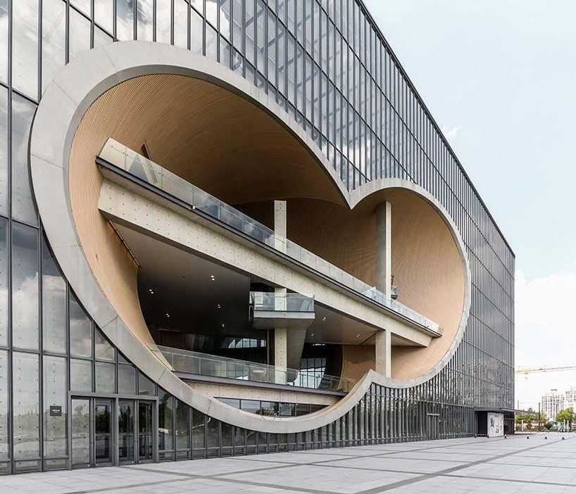 ساختمان تئاتر در شانگهای تادائو آندو( Tadao Ando )