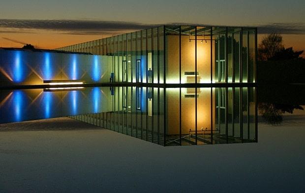 مرکز هنری موسسه LANGEN تادائو آندو( Tadao Ando )