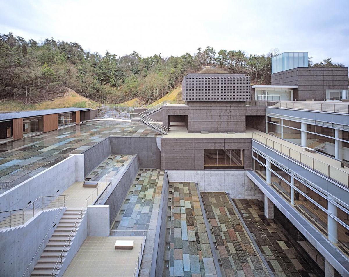 پروژه آراتا ایسوزاکی برنده جایزه معماری پریتزکر 7