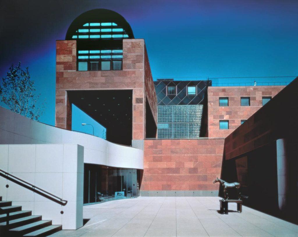 پروژه آراتا ایسوزاکی برنده جایزه معماری پریتزکر11