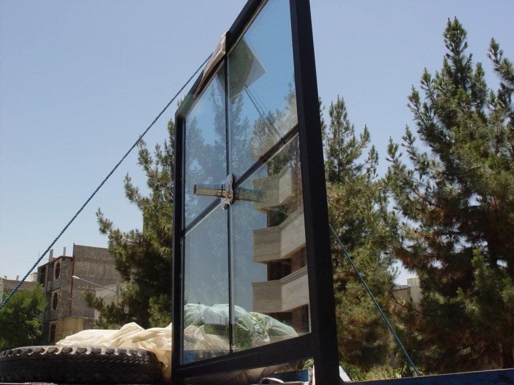 عکسی از اجزای نمای شیشه ای اسپایدر