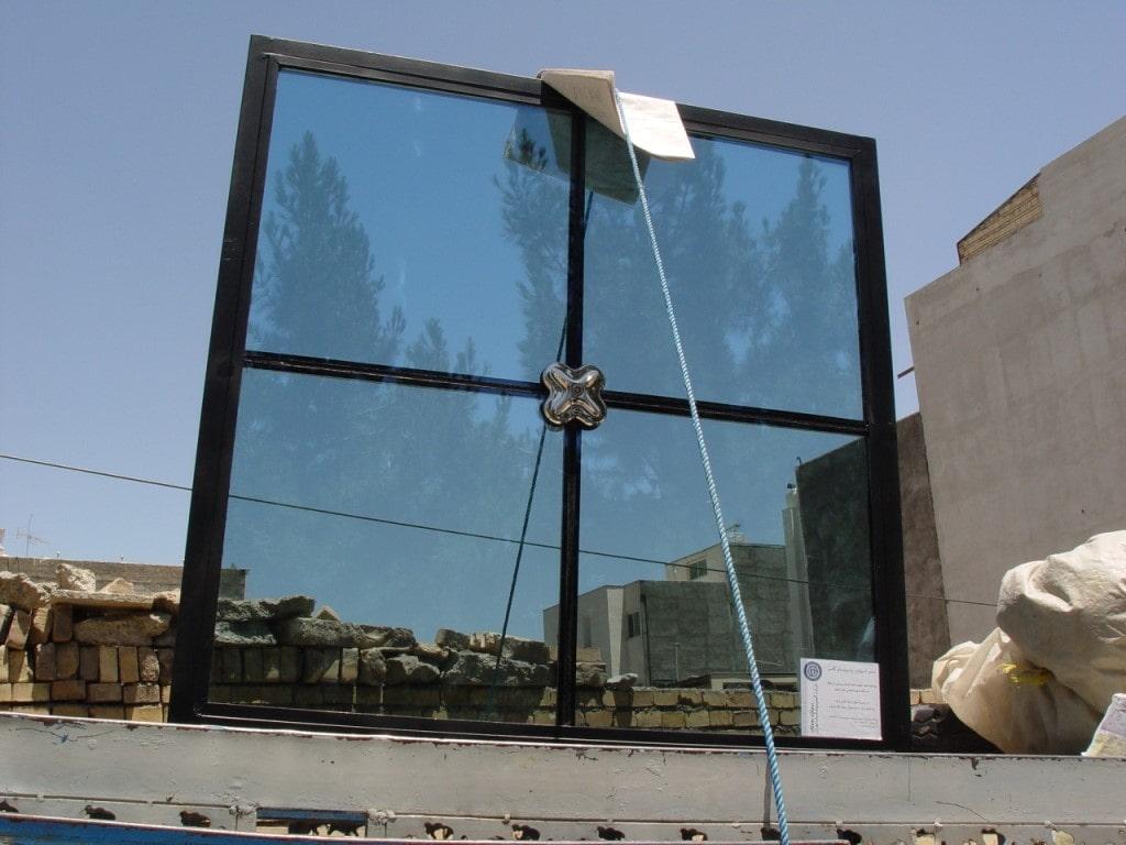 نمای شیشه ای اسپایدر در ساختمان