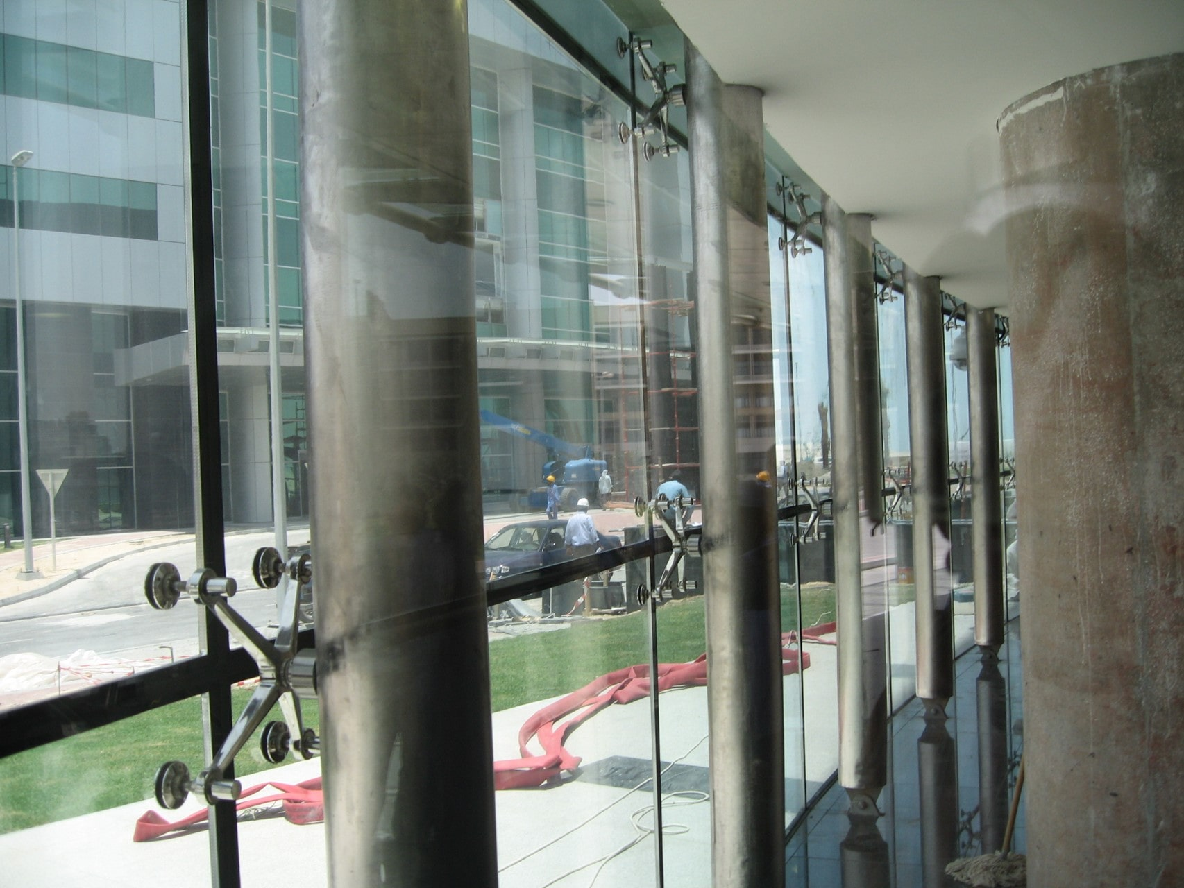 نمای شیشه ای نوع دوم