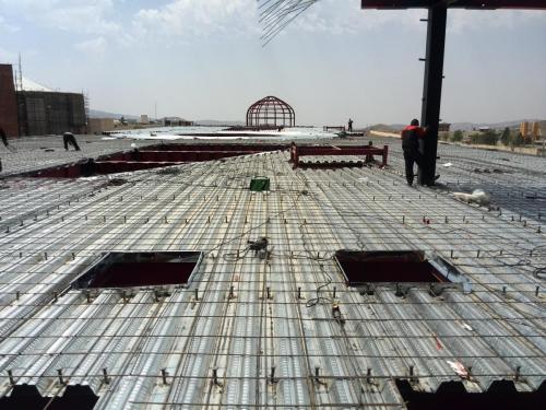 بازشو در سقف عرشه فولادی