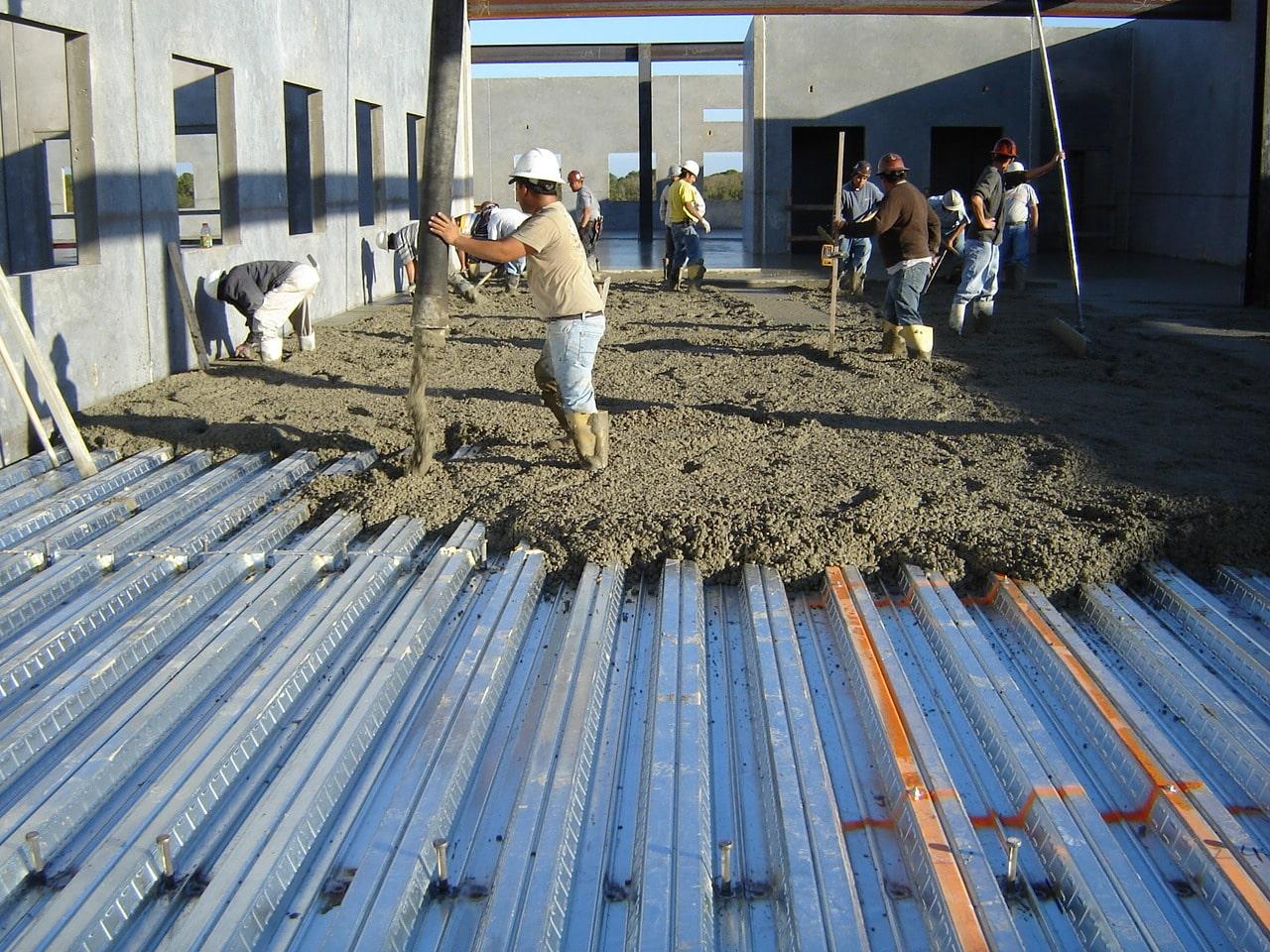 چگونه سقف عرشه فولادی اجرا می گردد؟