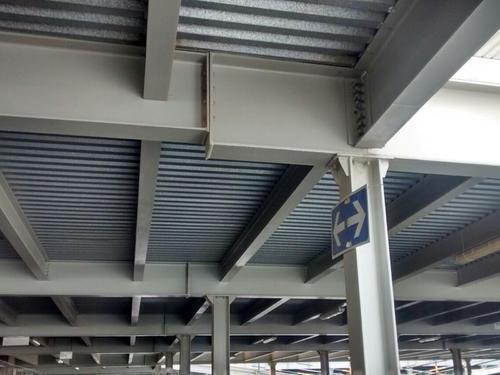 عکس سقف عرشه فولادی از نمای پایین