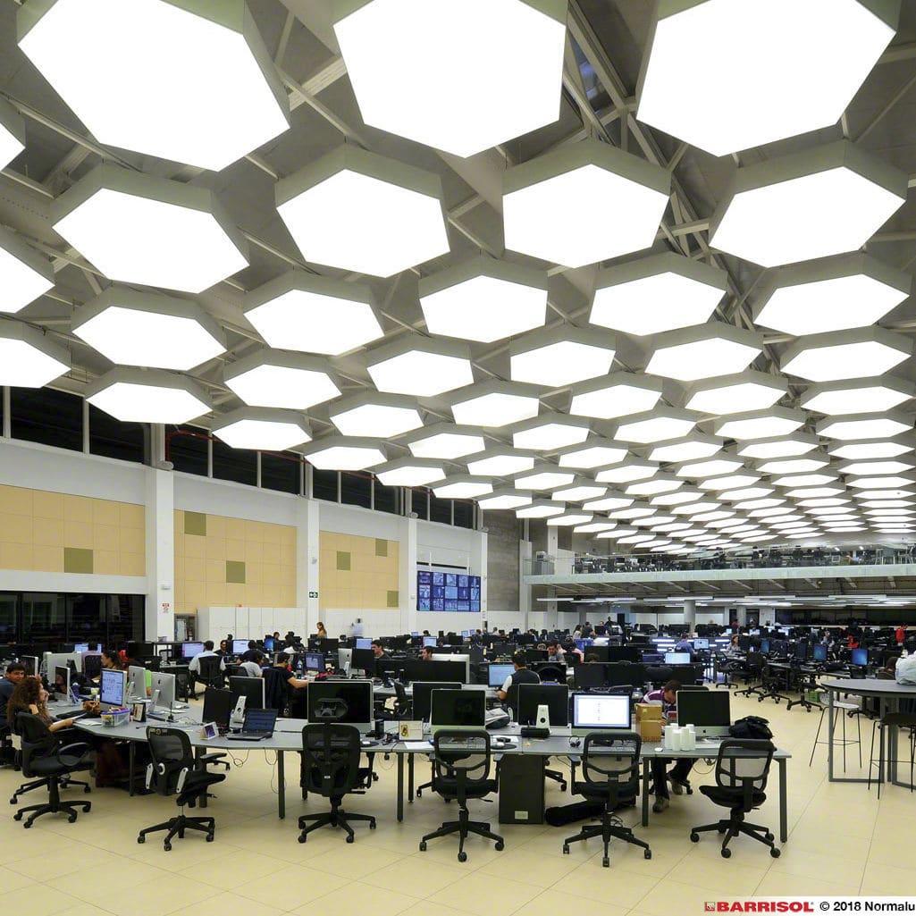 تاثیر نور در سقف باریسول ostovarsazan.com