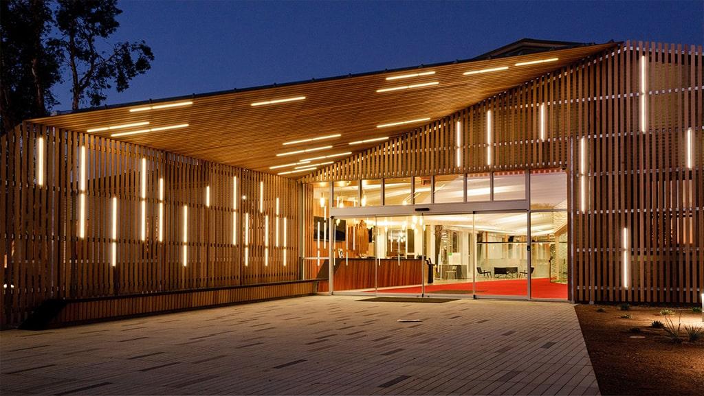 مزایای نورپردازی نمای ساختمان