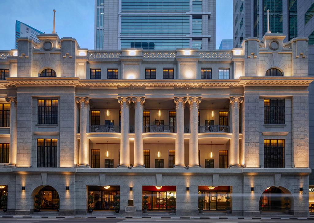 نورپردازی نمای ساختمان هتل سافیتل سنگاپور ostovarsazan.com