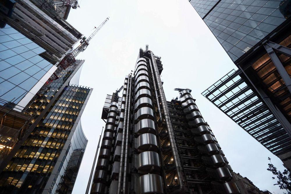 برج اداری لندن ریچارد راجرز ostovarsazan.com Lloyd's of London.jpg