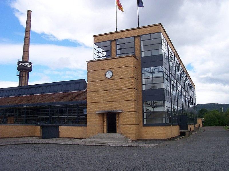 معماری کارخانه از والتر گروپیوس