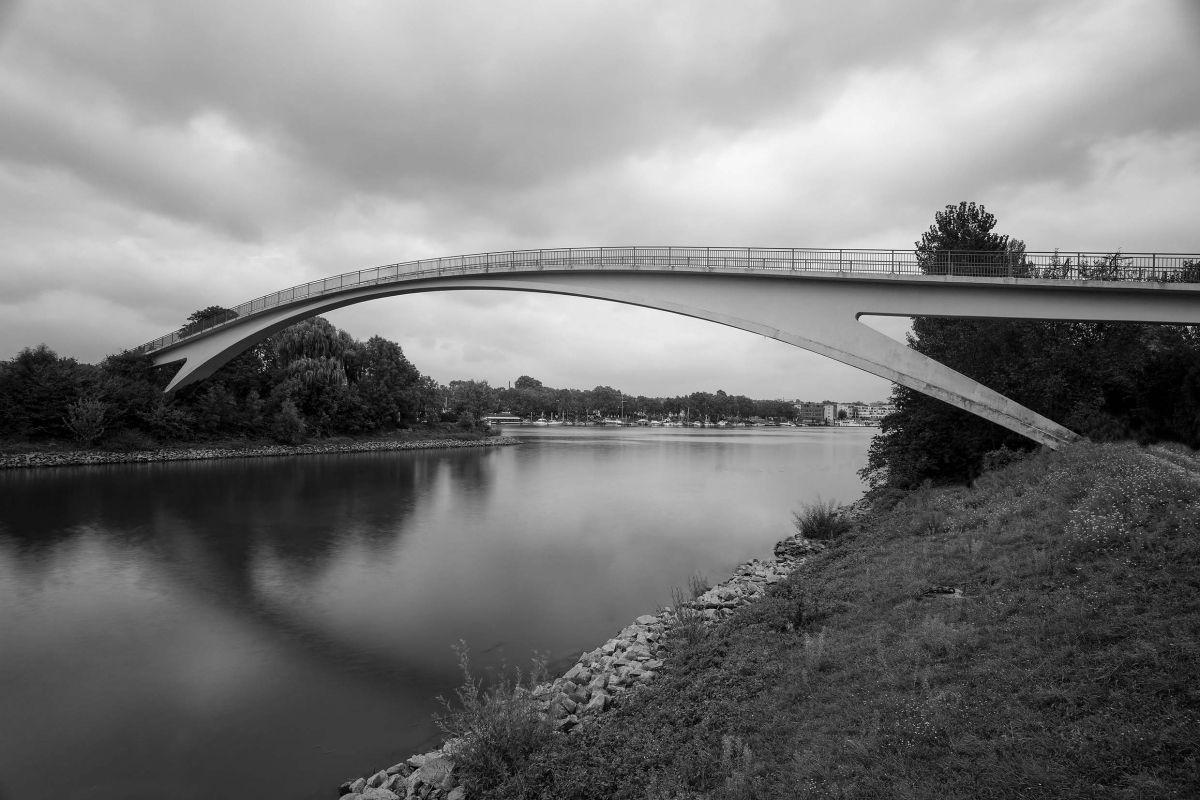 بتن سبک در پلها