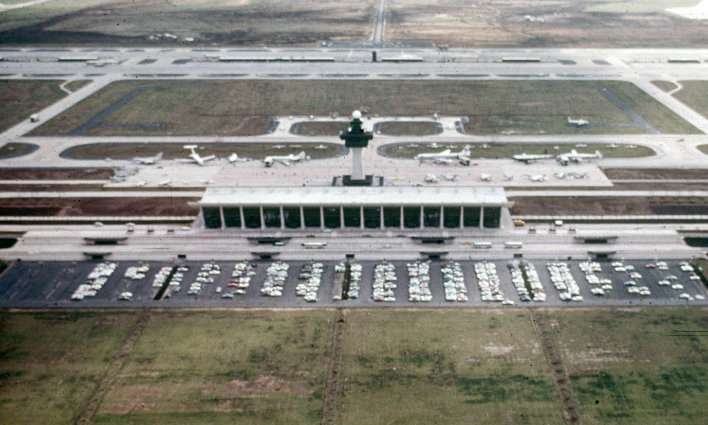 بتن سبک در فرودگاه Dulles