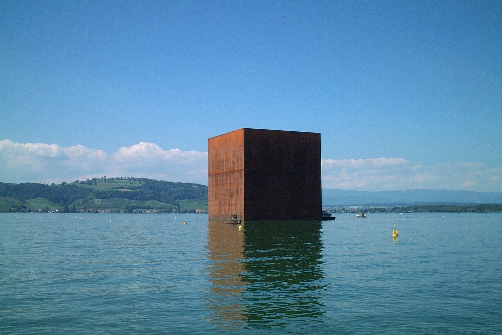 ژان نوول Monolith for Expo.02