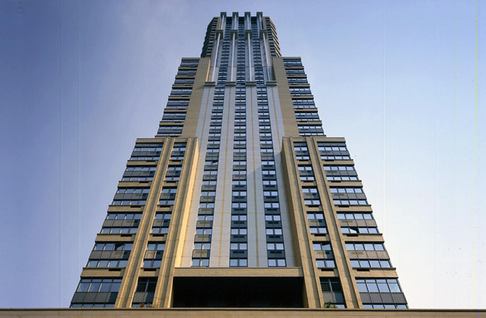 مایکل گریوز معمار 425 Fifth Avenue