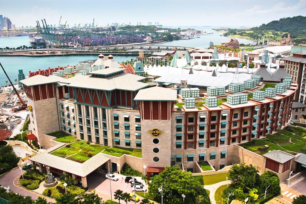 مایکل گریوز Hard Rock Hotel Singapore