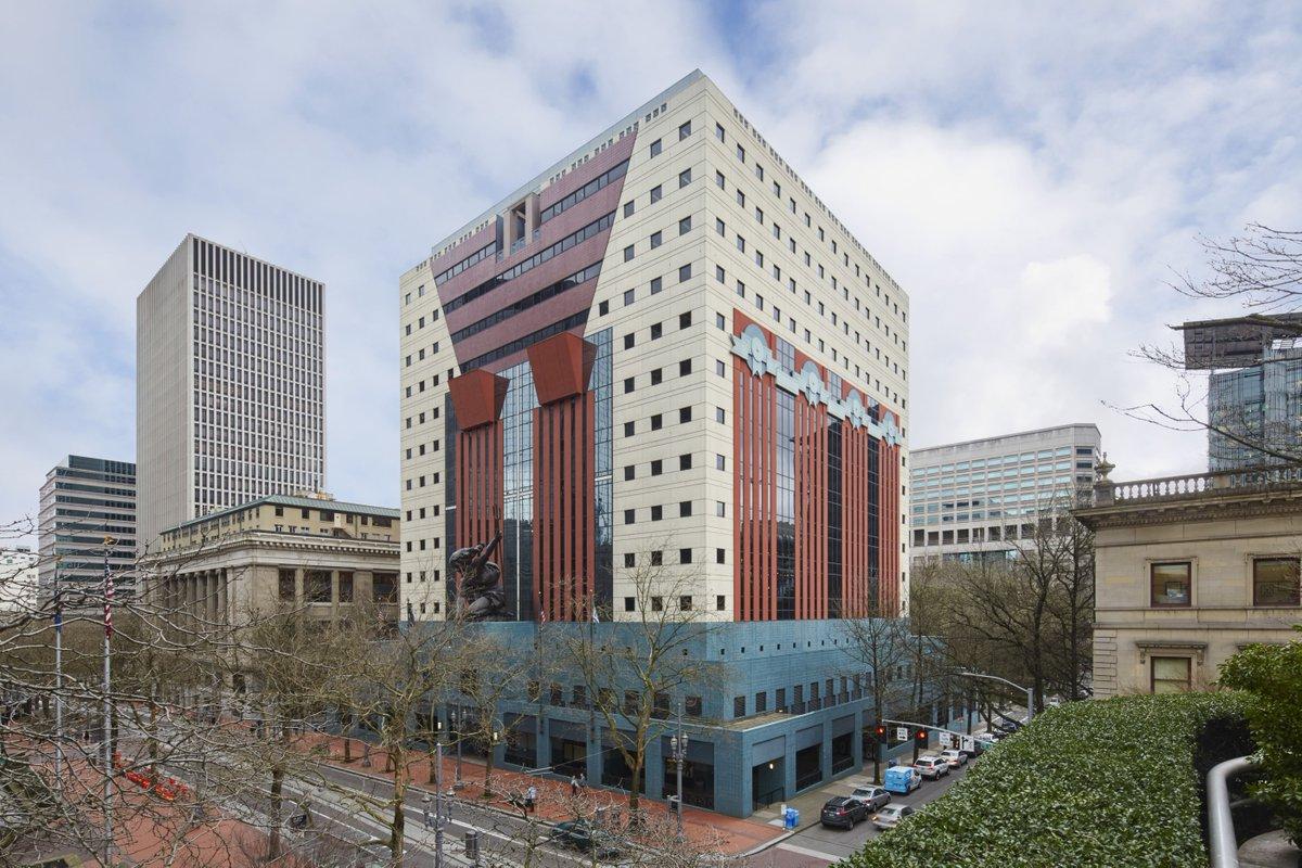 مایکل گریوز Portland Building