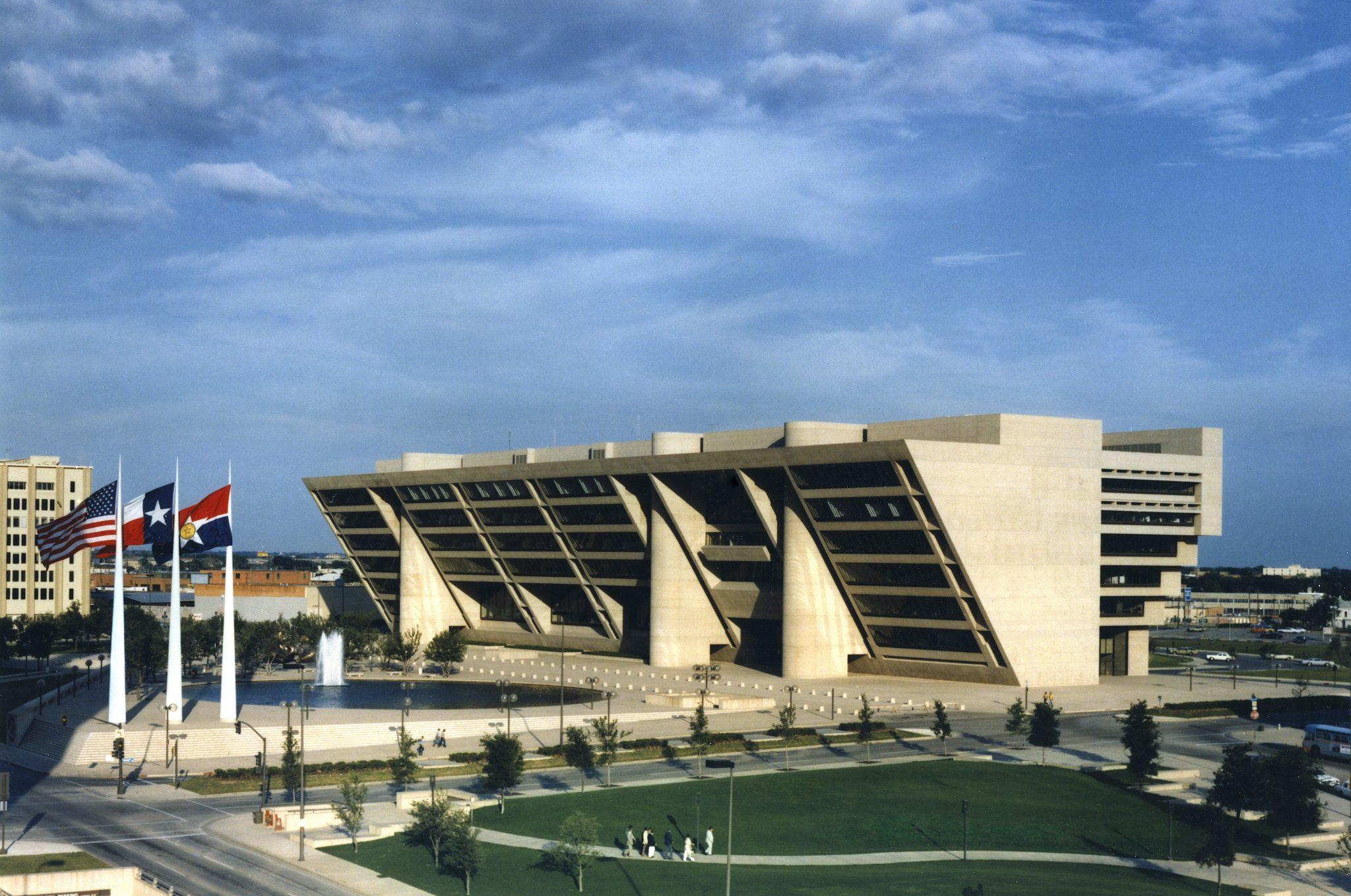 نمای ساختمان شهرداری دالاس آی ام پی استوارسازان