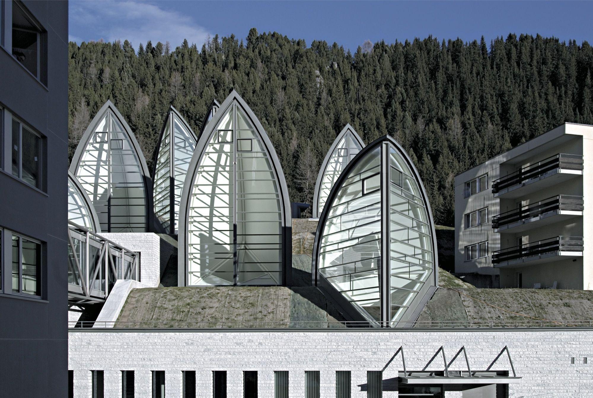ماریو بوتا Tschuggen Grand Hotel 61