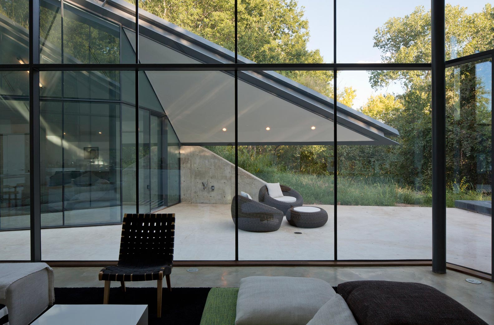 مزایا و معایب انواع شیشه - استوارسازان