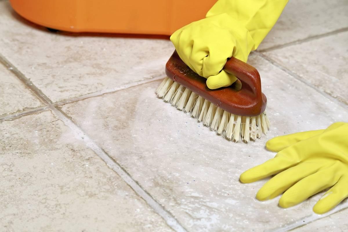تمیز و نظافت سرامیک استوارسازان