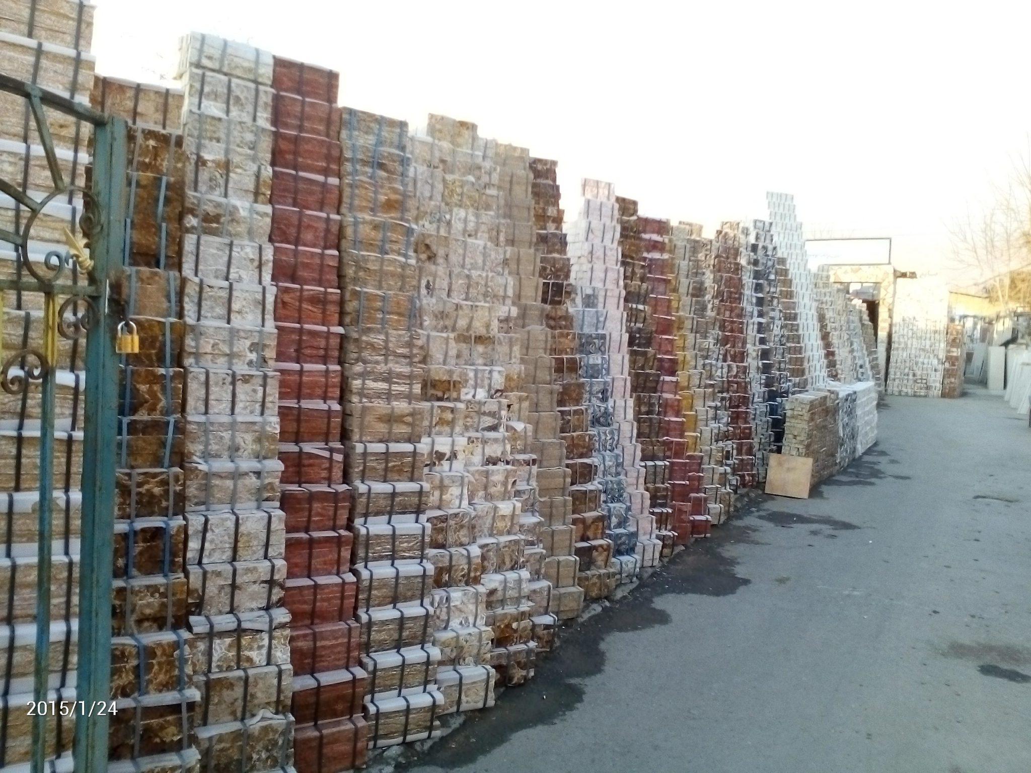 انواع سنگ آنتیک طبیعی و مصنوعی استوارسازان