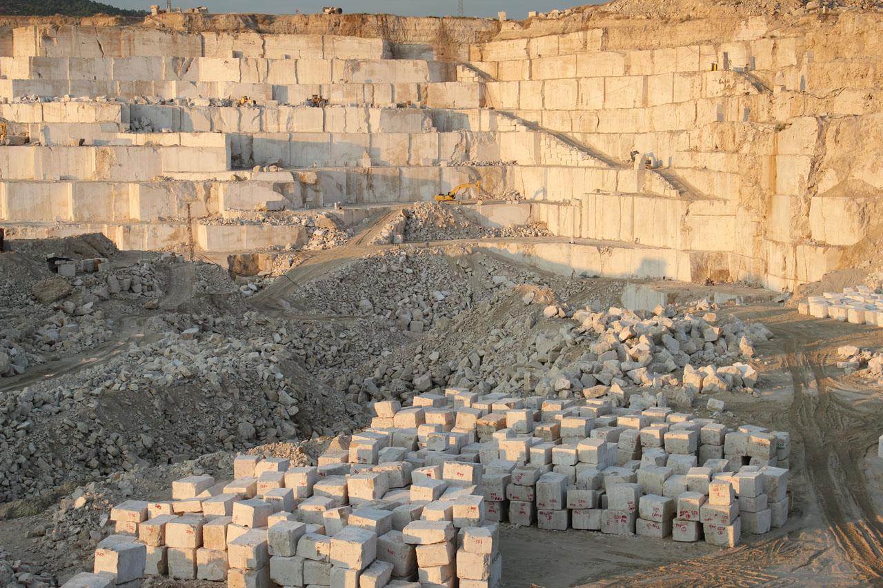 تولید و صنعت سنگ آنتیک استوارسازان