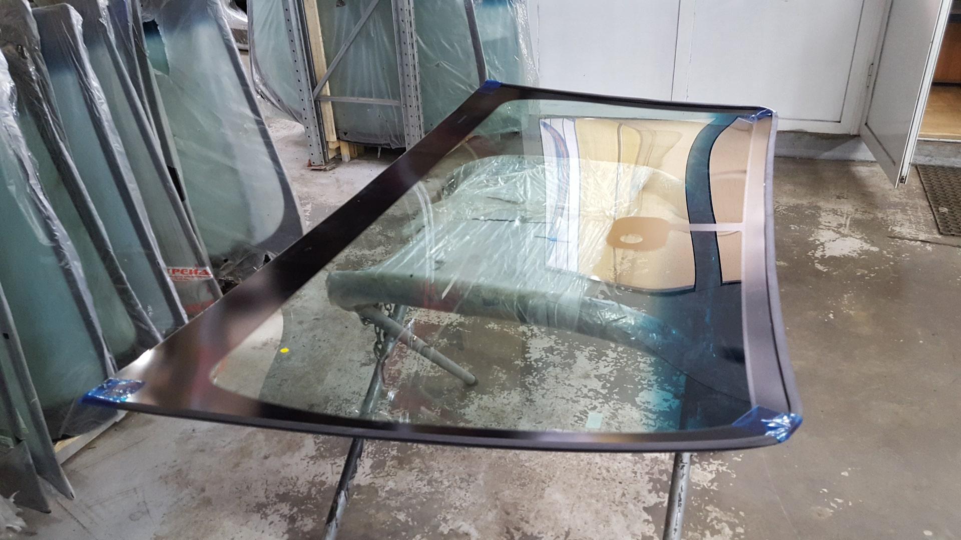 کاربرد و مزایای شیشه سکوریت - استوارسازان