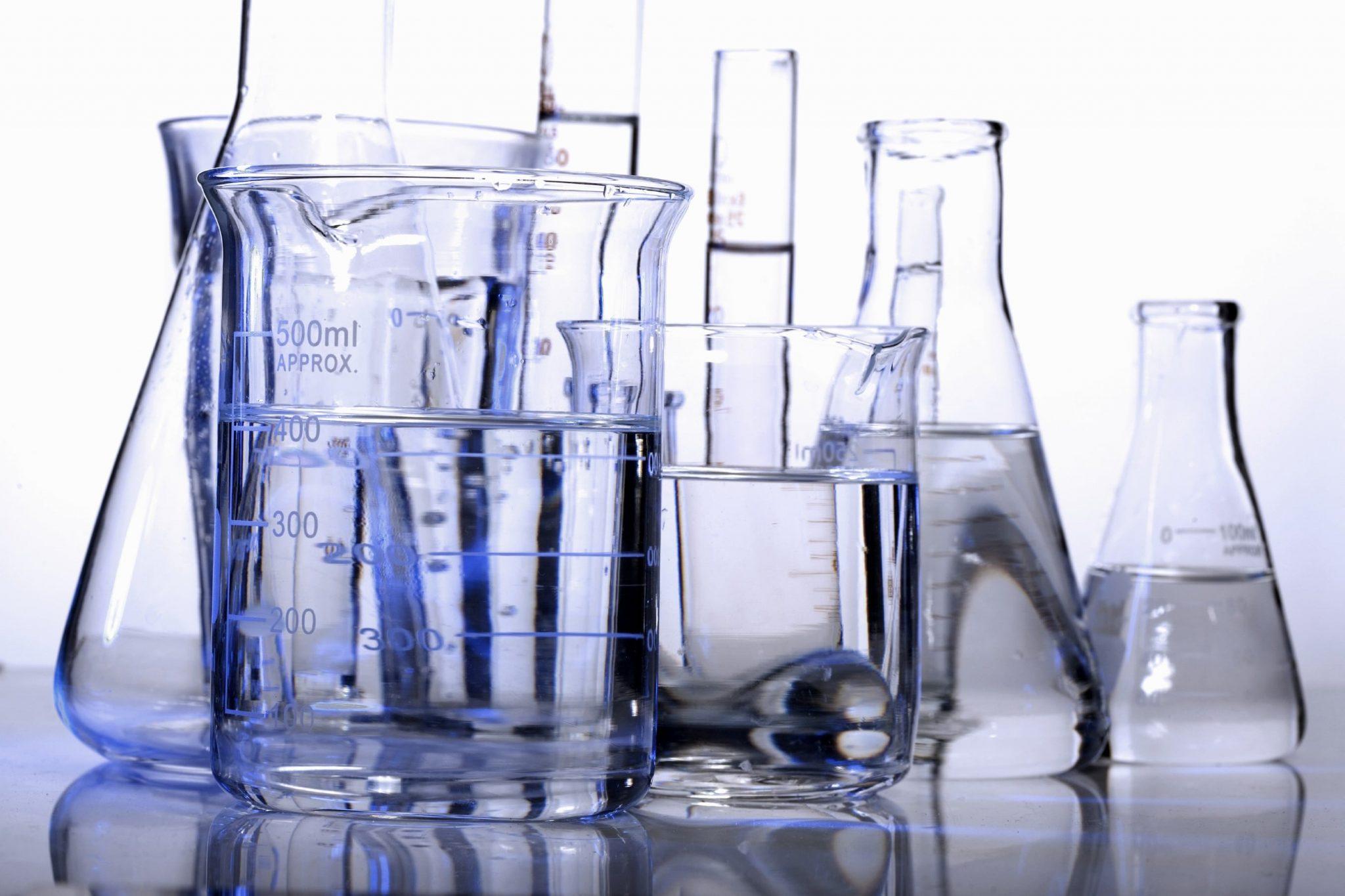 ساخت ظرف های شیشه ای ازمایشگاه - استوارسازان