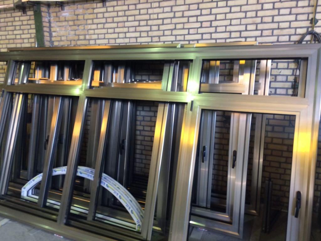 انواع پنجره آلومینیومی استوارسازان