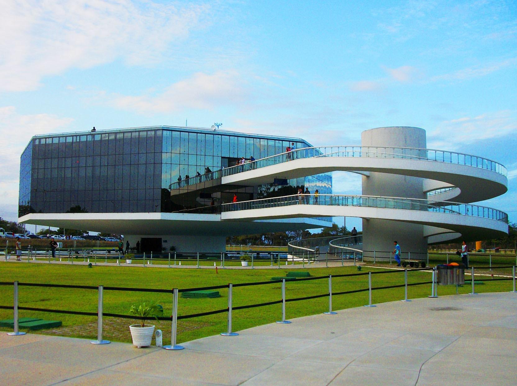 اسکار نیمایر معمار ایستگاه کابو برانکو - استوارسازان