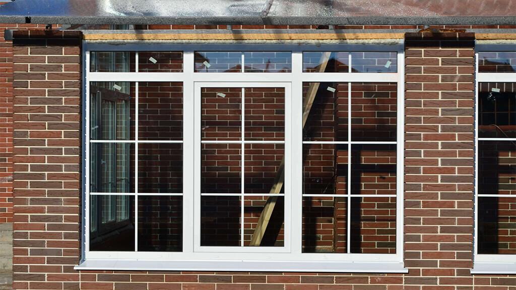 انواع حفاظ پنجره آهنی استوارسازان
