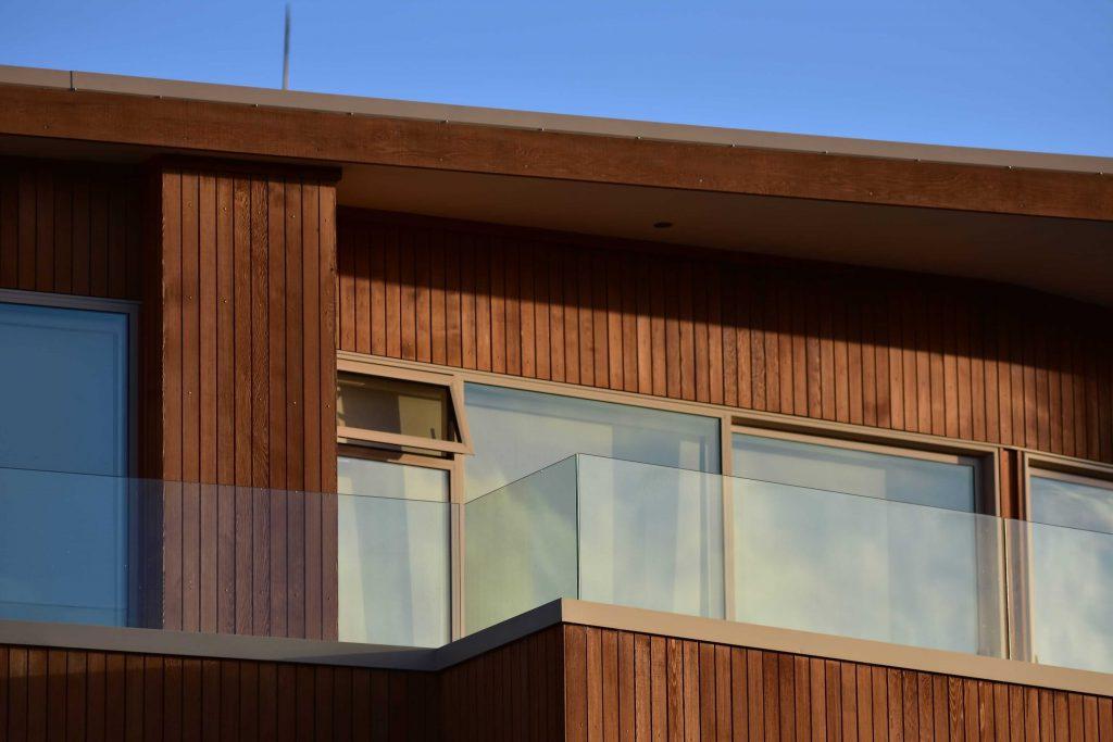 کاربرد ترموود در نمای ساختمان استوارسازان