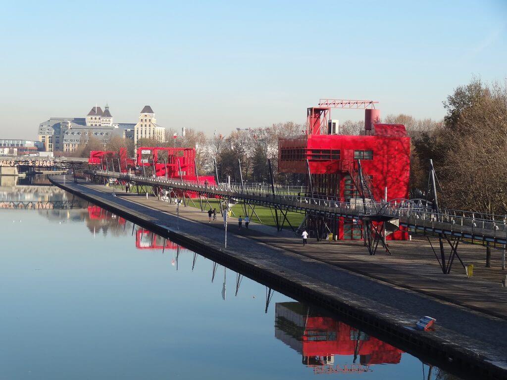 پارک دلاویت طرح برنده برنارد چومی در مسابقات شهرسازی شرق فرانسه - استوارسازان