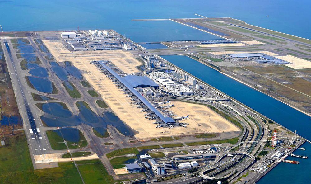 بررسی کامل فرودگاه بینالمللی کانسای ژاپن اثر برنارد چومی - استوارسازان
