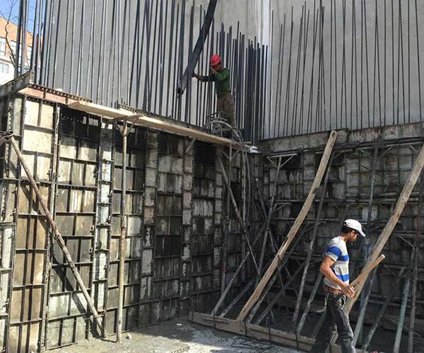 نصب ورق های یونولیت در پشت دیوار برشی – دیوار بتن آرمه - استوارسازان