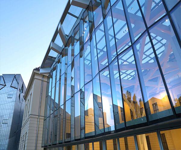 مصارف انواع شیشه ساختمانی در صنعت نماسازی