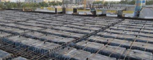 سقف ایزی اسلب بعد از آرماتور گذاری و آماده برای بتن ریزی - استوارسازان