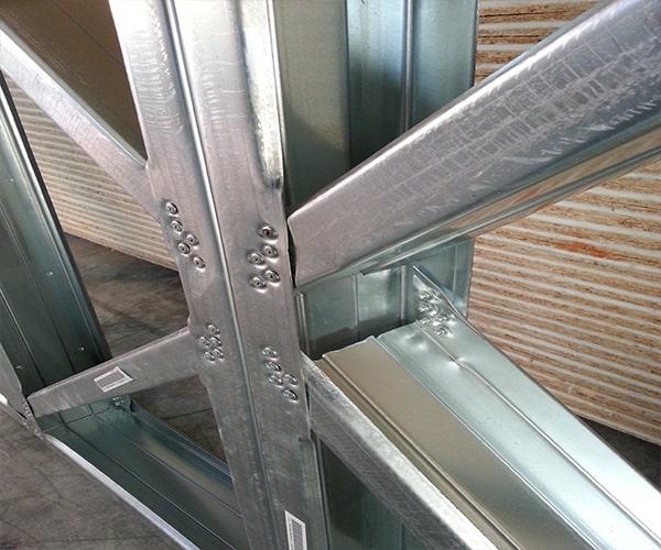 سیستم قاب فولادی سبک نورد سرد (ساختمان lsf) 3 - استوارسازان