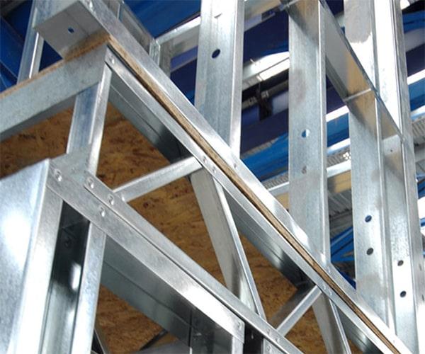 سیستم قاب فولادی سبک نورد سرد (ساختمان lsf) 7 - استوارسازان